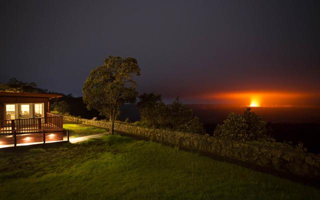 キラウエア火山観光とボルケーノハウス・ディナー
