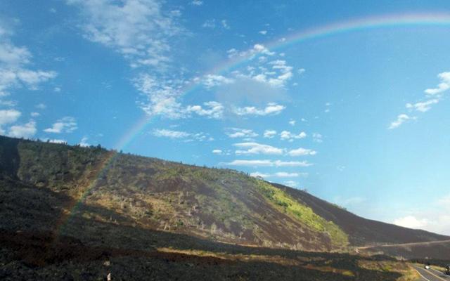 エクスプレス キラウエア火山と溶岩ハイキング