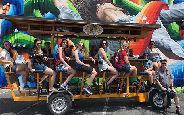 クラフトビールとアートを楽しむ 相乗り自転車ツアー