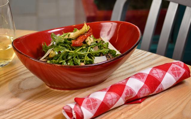 ルッコラとケールのサラダ
